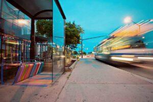 Reklama w i na autobusach we Wrocławiu